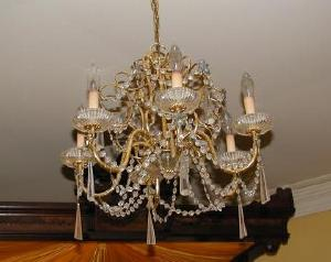 photo of one of our multiple chandeliers!